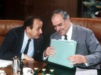 Hans-Dietrich Genscher und Helmut Kohl