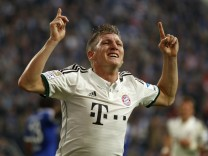 Bayern Munich's Schweinsteiger celebrates a goal against Schalke 04 during the German first division Bundesliga soccer match in Gelsenkirchen