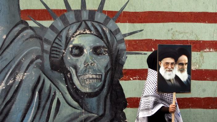 Demo zum 30. Jahrestag der Erstürmung der US-Botschaft in Teheran