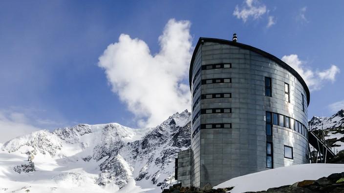 Schweiz Hütten Alpen Alpen-Club Cabane du Vélan Wallis Berghütten
