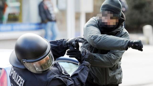 Gewalt gegen Polizisten
