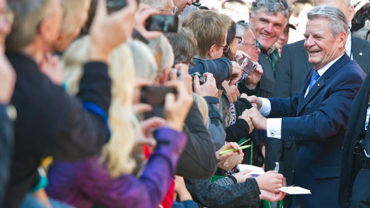 Bundespräsident Joachim Gauck Bringt Biografie Heraus Politik