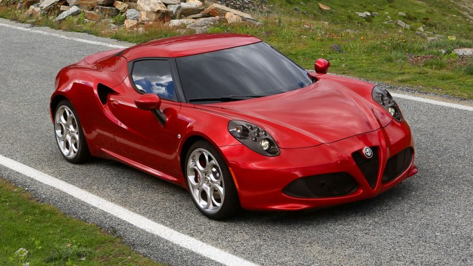 Verwonderend Fahrbericht: Alfa Romeo 4C - Auto & Mobil - Süddeutsche.de PW-56