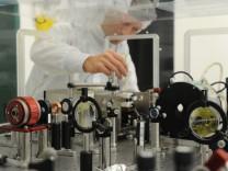 Ferenc Krausz im Labor für extreme Photonenforschung in München, 2012