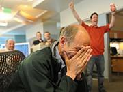 """Der Fotojournalist Craig F. Walker von der """"Denver Post"""" in dem Moment, als er vom Gewinn des Pulitzer Preises in der Kategorie """"Feature Photography"""" erfährt AP"""
