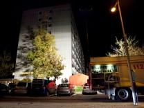 Zwei Tote in Oberschleißheim, Am Stutenanger 6, vermutlich durch Gewalteinwirkung.