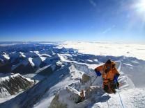 Mount Everest Katsusuke Yanagisawa Nepal