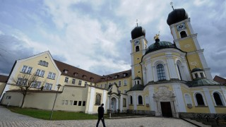 Missbrauch auch im Kloster Metten