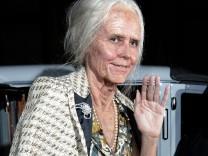 Heidi Klum schmeißt als Oma verkleidet Halloween-Party