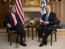 U.S. Secretary of State Kerry meets with Israel's PM Netanyahu in Jerusalem
