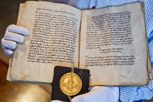 Goldene Bulle in Nürnberg ausgestellt