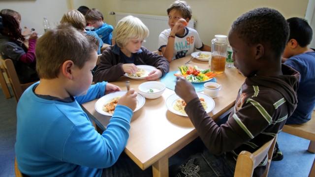 Schulessen in einer offenen Ganztagsschule