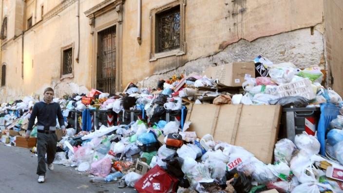 Müll in den Straßen von Palermo