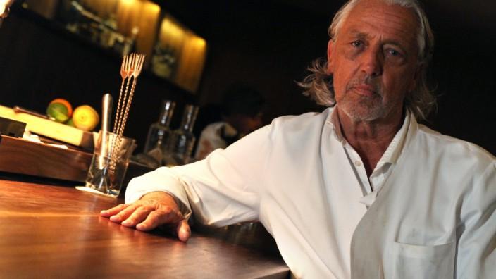 """Charles Schumann in der Bar """"Schumann's"""" in München, 2013"""