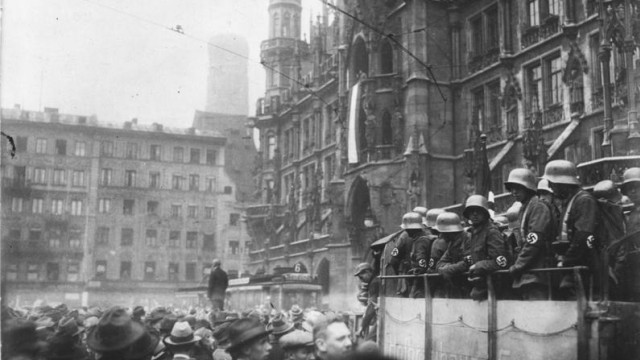 Hitler-Putsch, München, Marienplatz; Marienplatz Hitler-Putsch 1923