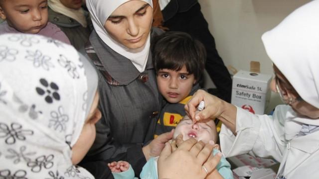 Polio vaccination in Syria