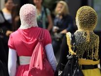 Muslimische Frauen mit Kopftuch