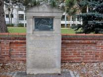 Eugen-Papst-Gedenkstein
