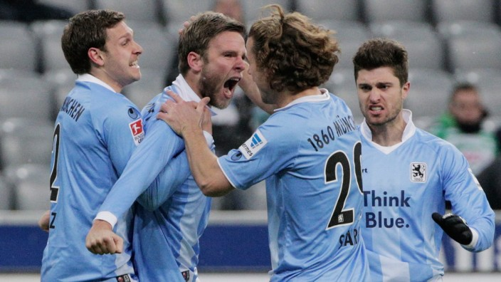 TSV 1860 Muenchen v Greuther Fuerth - 2. Bundesliga