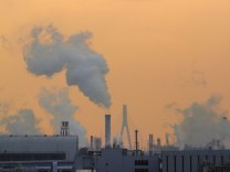 Japan sets new greenhouse gas emissions reduction target