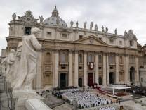 Vatikan: Papst fordert Reformen