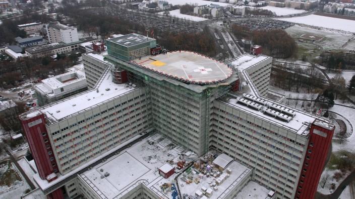 Neuer Hubschraubelandeplatz auf dem Klinikum Augsburg.