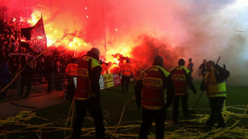 Ausschreitungen beim dänischen Derby