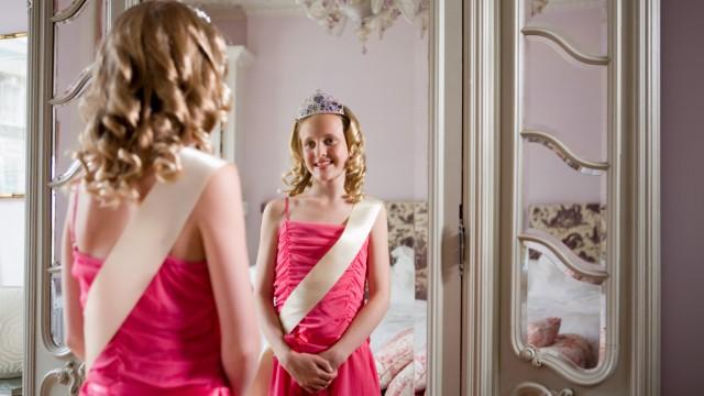Tween beauty queen