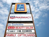 German Discount Grocery Chain Aldi Makes Major Inroads In U.S.