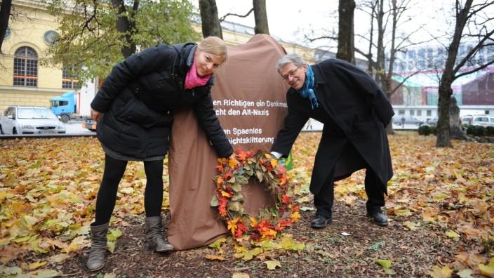 """""""Geschichtsklitterung"""" werfen die Landtagsabgeordneten Katharina Schulze und Sepp Dürr Ludwig Spaenle vor."""
