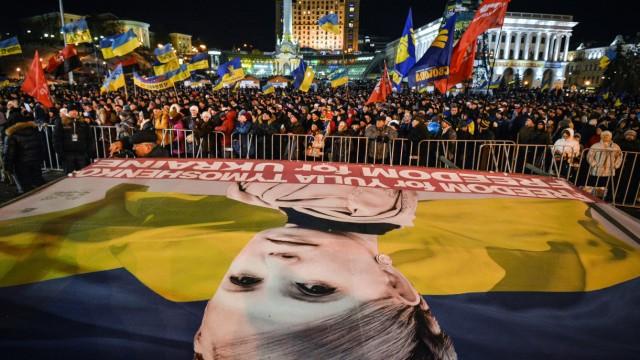 Ukrainische Regierungsgegner auf dem Unabhängigkeitsplatz