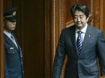 Japanese Prime Minister Shinzo Abe plans to pass secrecy bill