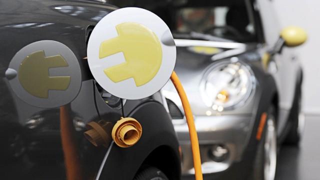 Elektrofahrzeuge gehen in Testbetrieb