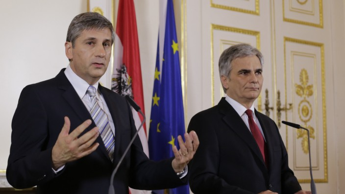 Austrian Chancellor Faymann and Vice-Chancellor Spindelegger address the media in Vienna