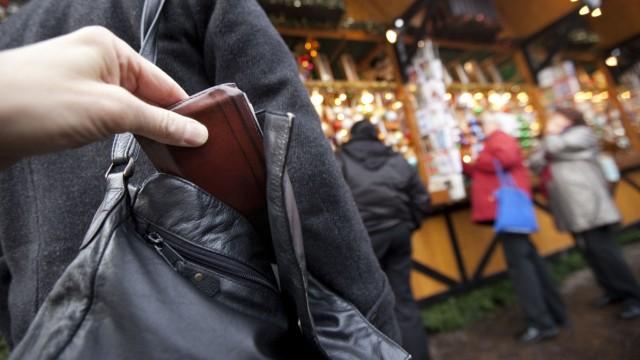 Präventionstag gegen Taschendiebe in der Weihnachtszeit