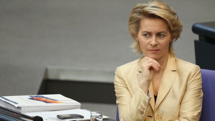 Bundestag Debates Cyprus Aid, Employment Quotas For Women