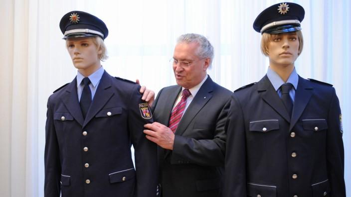 Pk zu neuer bayerischer Polizeiuniform
