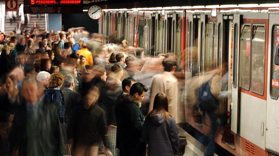 Nahverkehr - U-Bahn in Köln
