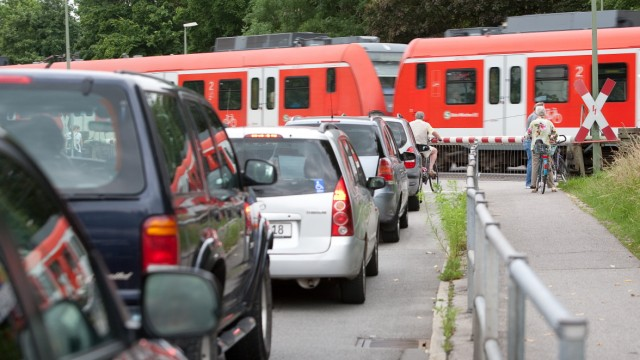 Bahnübergang Unterschleißheim Bezirksstraße