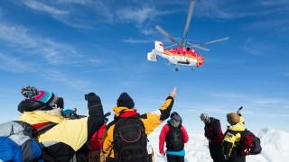 Polarexpedition Feststeckendes Forschungsschiff in der Antarktis