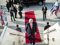U.S. Secretary of State John Kerry boards his plane at Ben Gurion International Airport in Tel Aviv