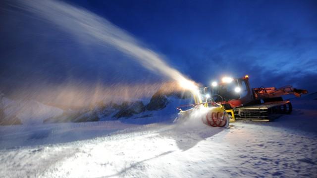 Winter in Bayern Skifahren auf der Zugspitze