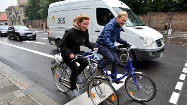 Neuer Radstreifen in der Kapuzinerstraße in München, 2013