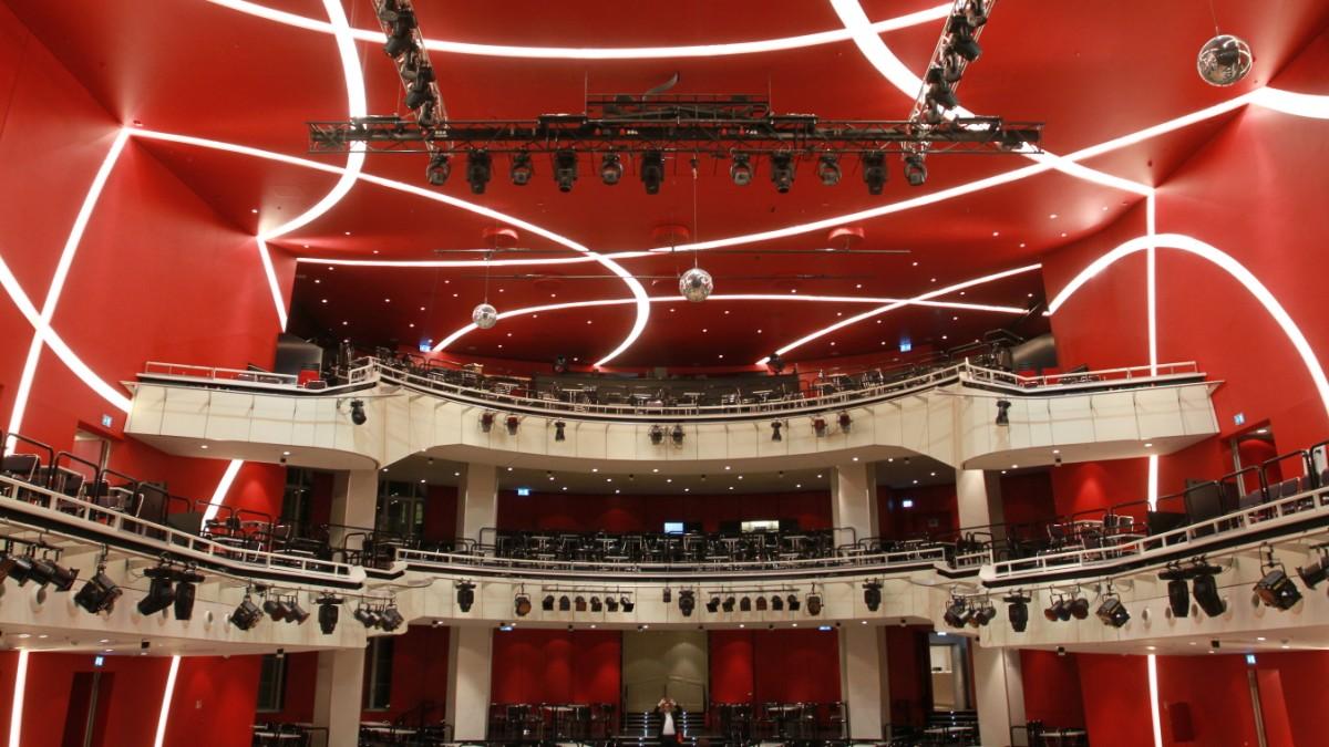 deutsches theater münchen parken