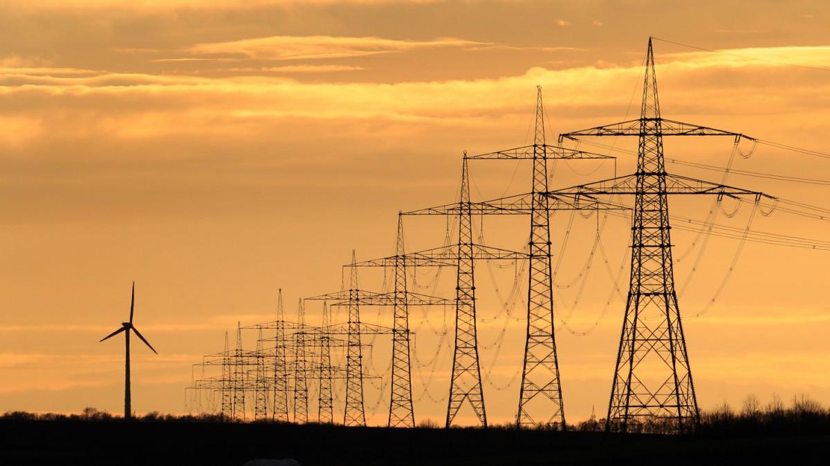Merkel plant Sondergipfel zur Energiewende mit Länderchefs