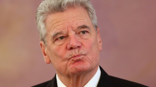 President Gauck Receives Epiphany Carolers