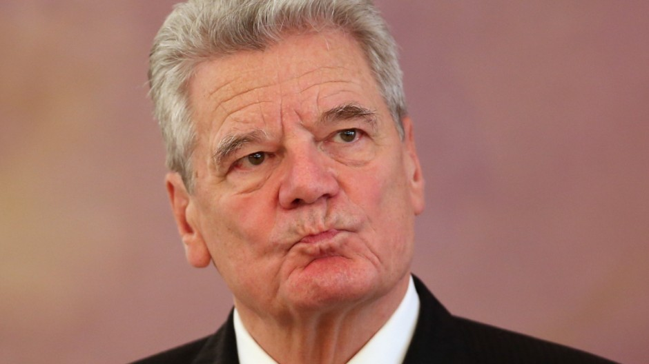 President Gauck Receives Epiphany Carolers