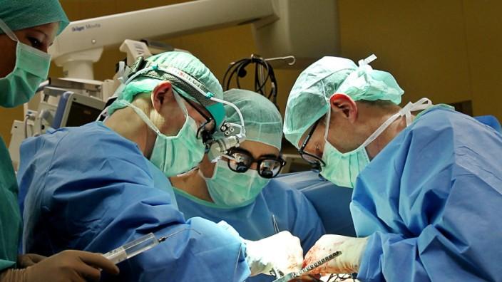 Krankenkassen warnen vor unnötigen Operationen