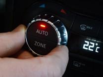 Klimaanlagen-Regler bei Daimler