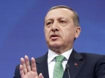 Recep Tayyip Erdoğan während einer Pressekonferenz anlässlich seiner Visite in Brüssel EU Türkei